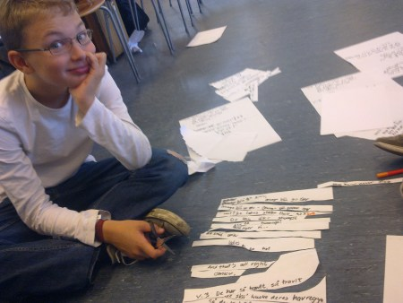 June Beltoft - sangskriver, musiker og huskunstner. Underviser børn og unge i at skrive deres egne sange via Huskunstnerordningen / Statens Kunstfond.<br /> Målgruppe: Folkeskolen, friskoler, privatskoler, efterskoler (mellemtrin og overbygning) samt gymnasier