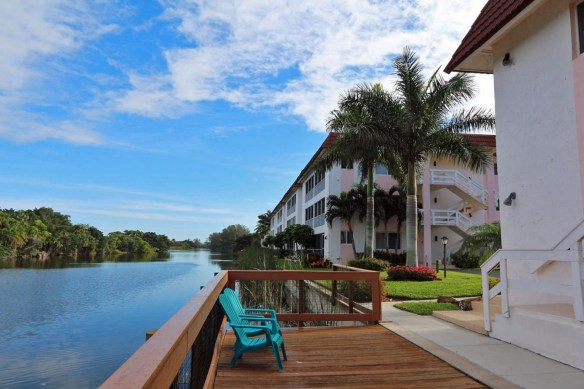 Spanish Cay is across the street from the beach & overlooks the Sanibel River.