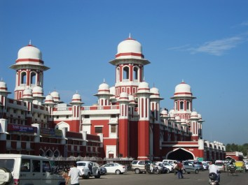 Lucknow Railway Station, Charbagh3