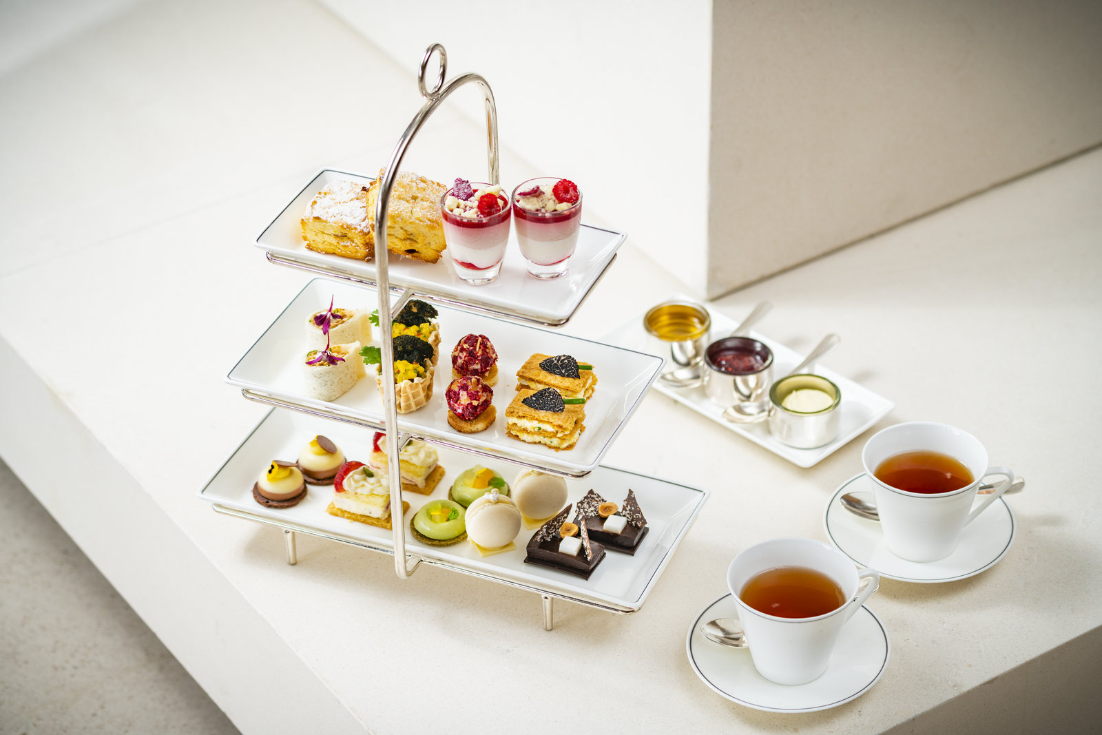 香港奕居Café Gray Deluxe推出時令英式下午茶并送出 Le Labo 禮物包 | Café Gray Deluxe Presents Seasonal Afternoon Tea With Le ...