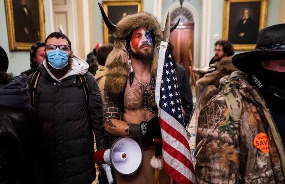 Facebook sabía de las amenazas de grupos violentos cinco meses antes del asalto al Capitolio de Estados Unidos