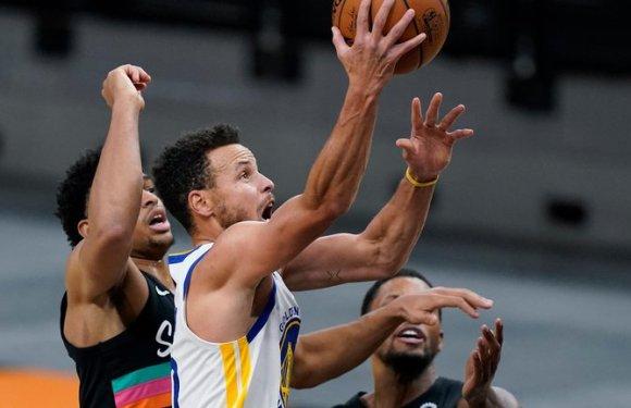 Stephen Curry hizo un tiro imposible en pleno partido