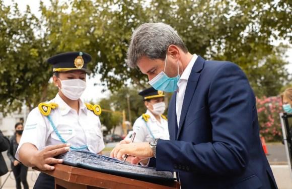 Uñac tomó juramento a nuevos funcionarios policiales y entregó tecnología de avanzada a las fuerzas de Seguridad