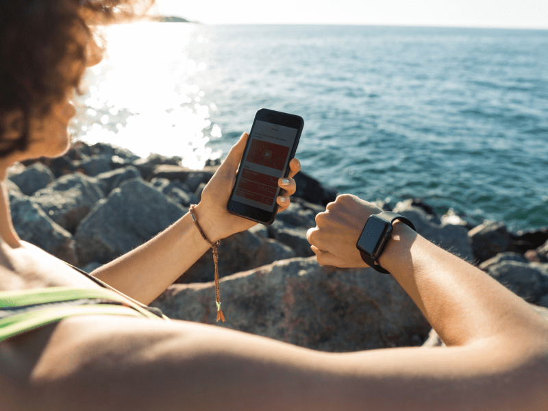 THE SMART WATCH: THE SMART TRACKING TOOL FOR RUNNERS.
