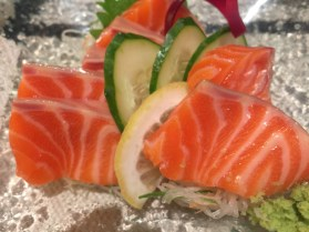 10 Minori, Salmon Sashimi