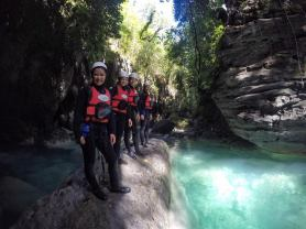 canyoneering-group-1