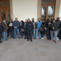 Custodios exigen aumento salarial y reclaman uniformes