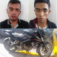 Policías de Soledad detuvieron a dos que circulaban en motocicleta con reporte de robo