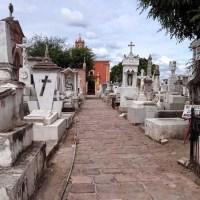 Amplían horarios y días de apertura de panteones por Día de Muertos