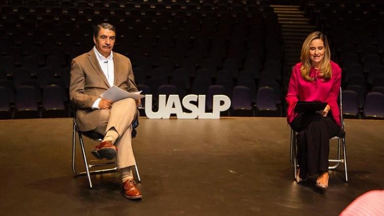 Como parte del Tercer Festival de Cine de la Universidad Autónoma de San Luis Potosí se entregó un reconocimiento a la trayectoria del actor Héctor Bonilla.