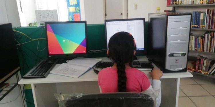 Bibliotecas de Soledad, facilitan equipos de cómputo con internet para estudiantes