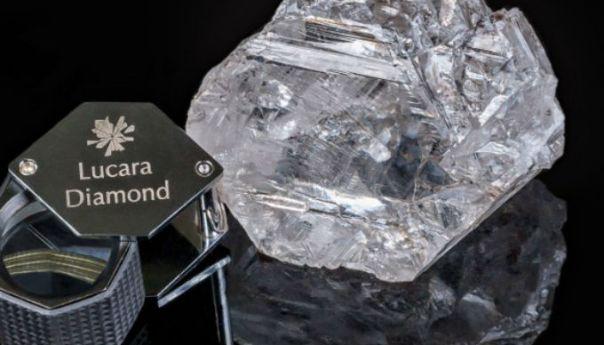 """Venden por 63 MDD """"The Constellation"""" el diamante en bruto de 813 kilates"""