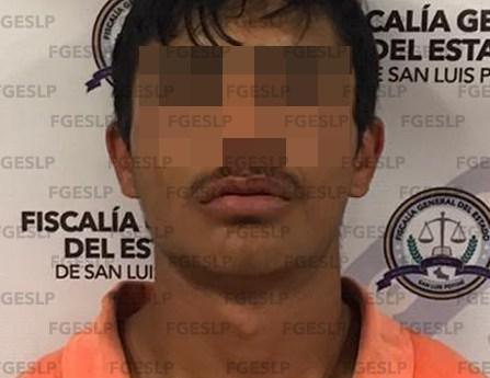 Hombre es detenido en flagrancia por FGE en posesión de cristal