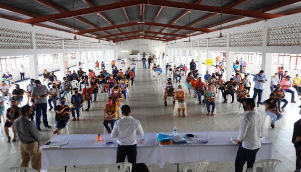 Gobierno del estado a través de DIF estatal y SIFIDE entregan apoyos económicos a sujetos vulnerables en la huasteca