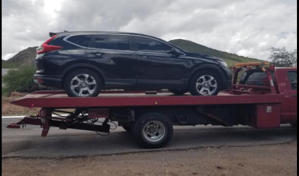 FME asegura vehículo con droga y cartuchos útiles