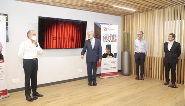 """JM Carreras y lotería nacional develan billete conmemorativo de las fundaciones """"nutriendo para el futuro"""" y """"armadillo"""""""