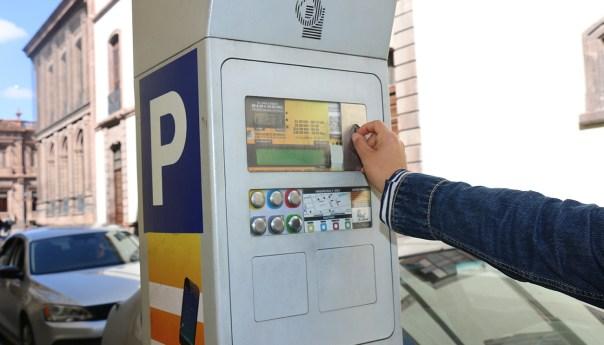 Parquímetros retirados del paseo Carranza serán reubicados