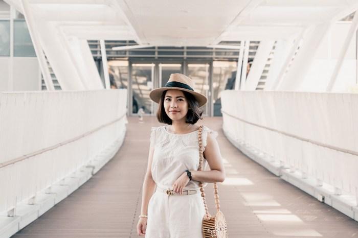 【Outfit】全白色的夏季穿搭 Sezane Ludivine Blouse+Sandro蕾絲滾邊短褲+Cult Gaia佛珠圓餅包XD