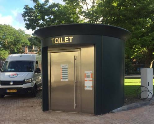 Toilet pubblica automatica