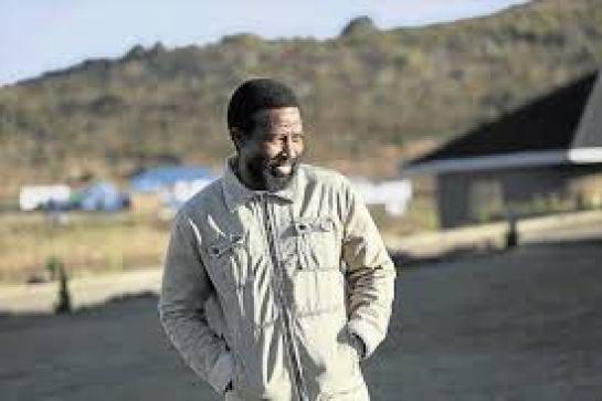 Buyelekhaya Zwelinbanzi Dalindyebo ka Sabata (born 1964) whose praise name is Zwelibanzi is a king of the abaThembu in South Africa.