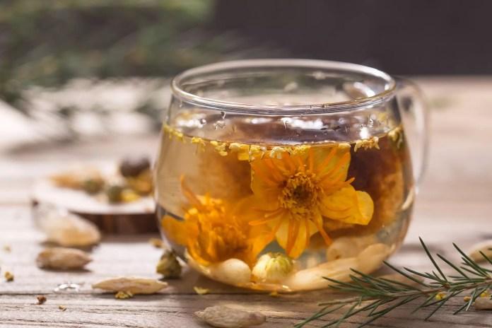 Билки - шипка и иглика - Чай от иглика