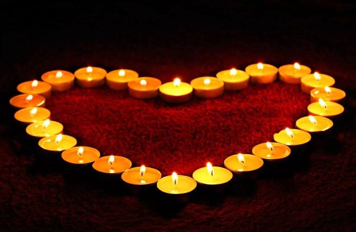 Жълти свещи