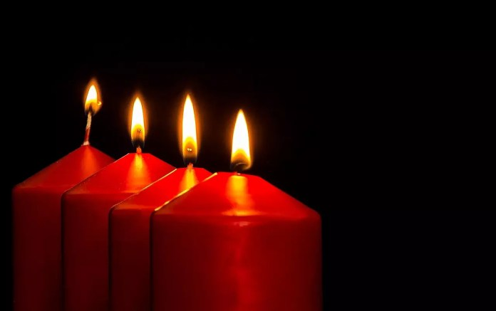 Къмсет с амулет - свещи