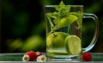 Los 7 Principales Beneficios De Tomar Agua Con Limón 5