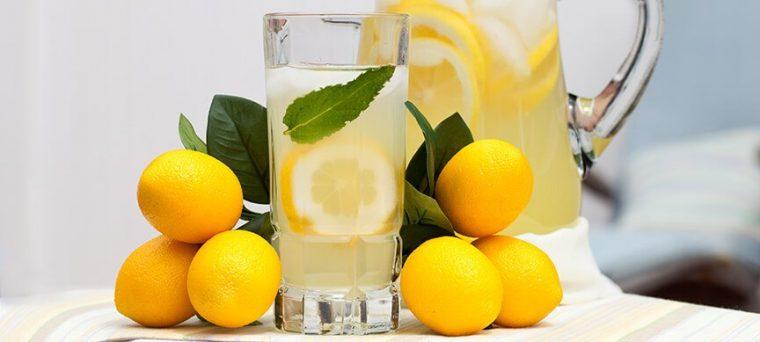 Las Razones Por Las Que Empezar El Día Con Una Taza De Agua Caliente Con Limón Es Buena Para La Salud 2