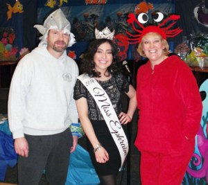 Gannon Jones (left), Ephraim Elementary School (EES) principal, 2016 Miss Ephraim Lundyn Wood (center) and EES Librarian Shauna Wayman prepared an ocean-themed event to celebrate the school mascot, the Readasaurus, and encourage reading in EES students.