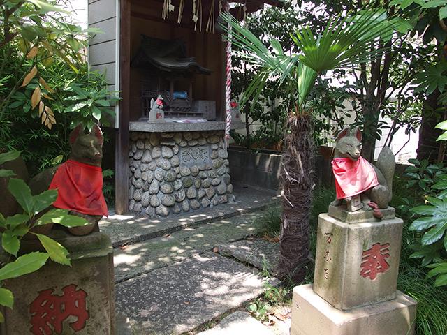 於岩稲荷田宮神社写真