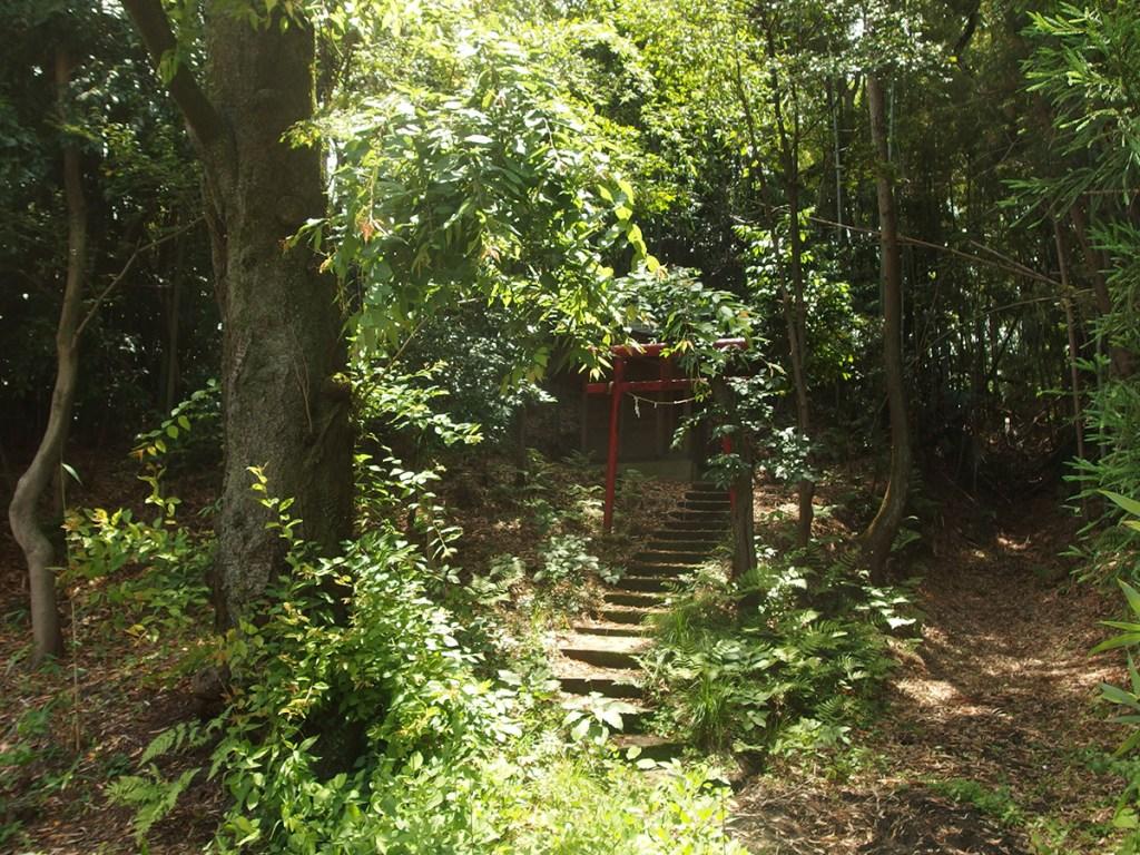 稲荷神社(横浜市緑区北八朔町1247)