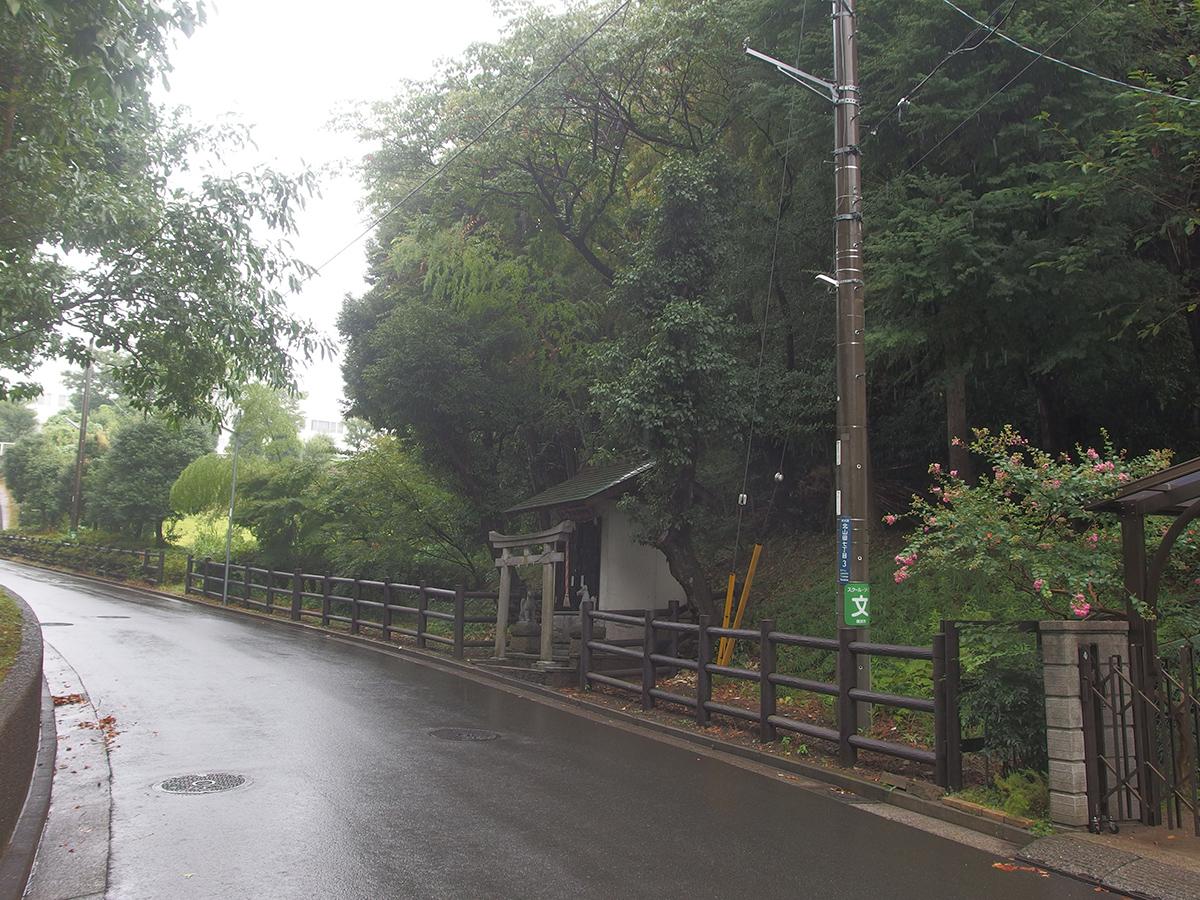 十二柱稲荷神社写真