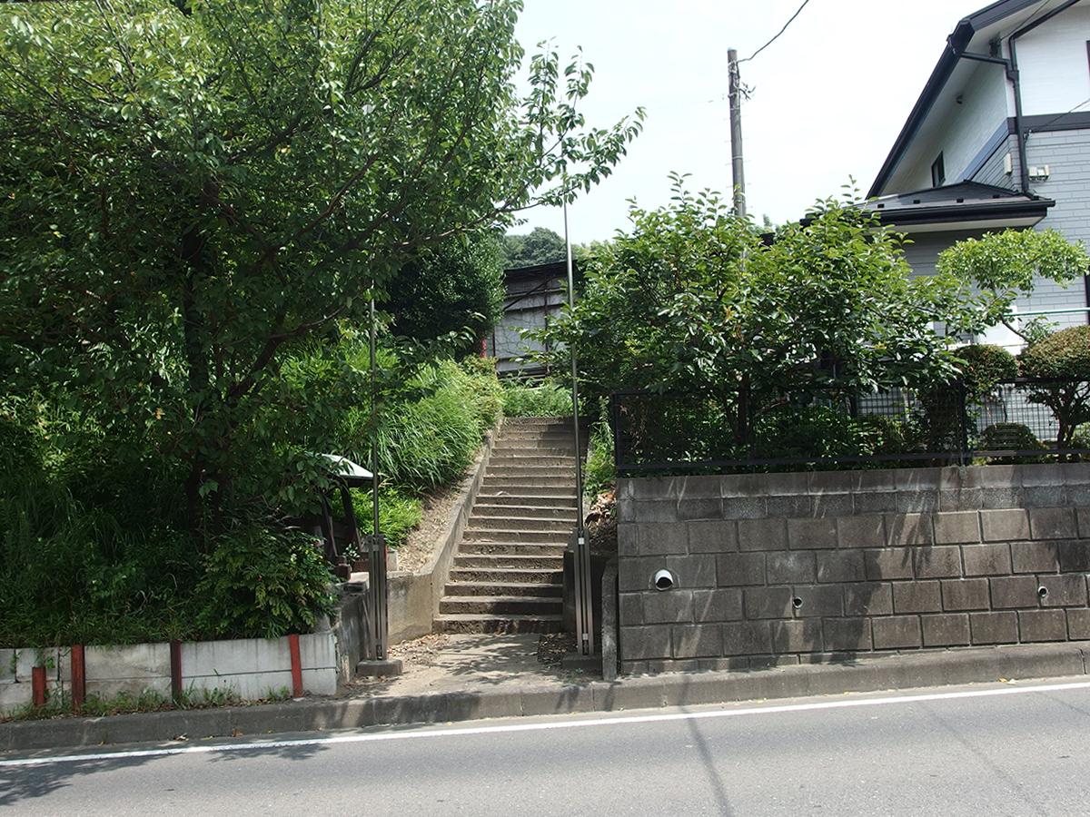 稲荷神社(横浜市緑区鴨居町2568付近)写真