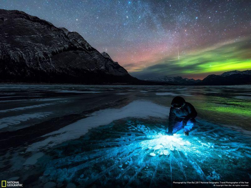 Astronomy Photographer 2017 Yifan Bai, Abraham lake Alberta, Canada
