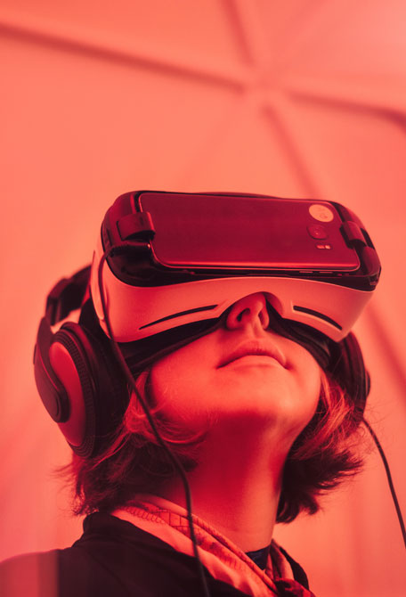 """L'humain """"amélioré"""" dit homme augmenté. Améliorer la vie des patients grâce à la réalité virtuelle, à découvrir sur Sansible. #innovationsante #sansible #realitevirtuelle #sante"""