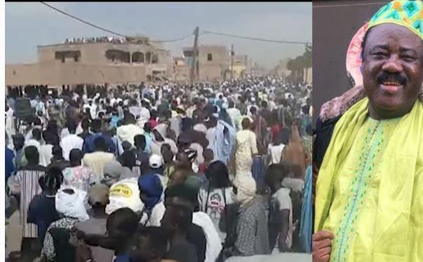 Une foule incroyable à l'enterrement de Samba Abidjan (richissime homme d'affaires)
