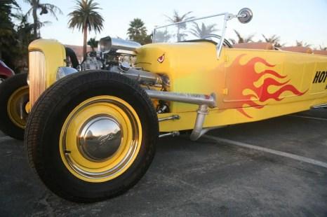 Santa Barbara Hot Rod Limo 11