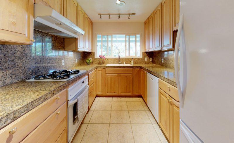 gTc5A25KVyF – Kitchen