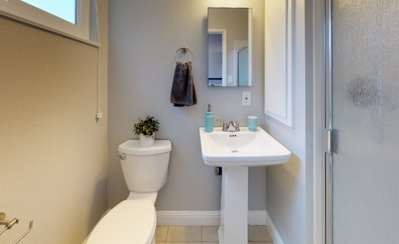 v72xCekmWSg – Bathroom-5