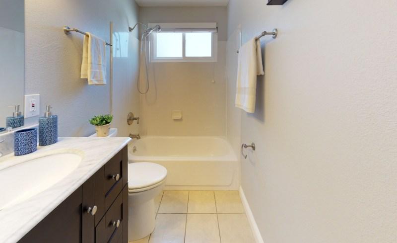 v72xCekmWSg – Bathroom(1)-5