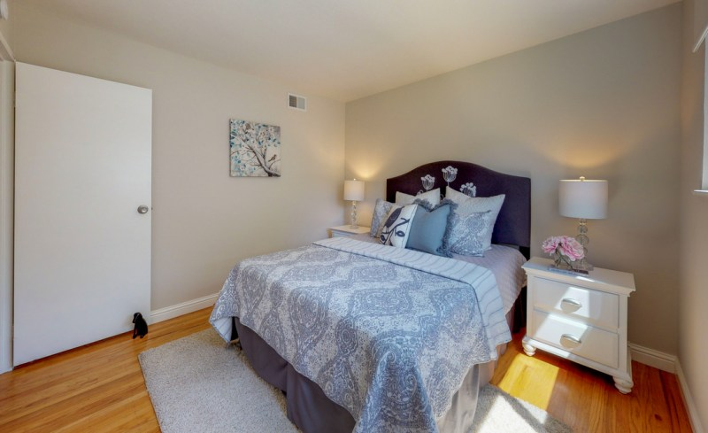 v72xCekmWSg – Bedroom(3)-5
