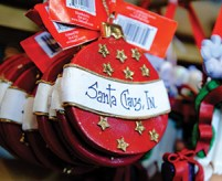 santa-claus-indiana-ornament-at-santa-claus-christmas-store