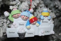 snowball-fight-family-ornament-personalized