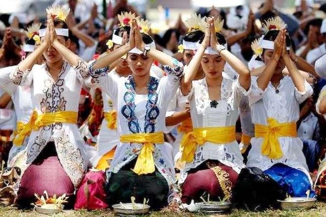 Pakaian Adat Bali Untuk Wanita