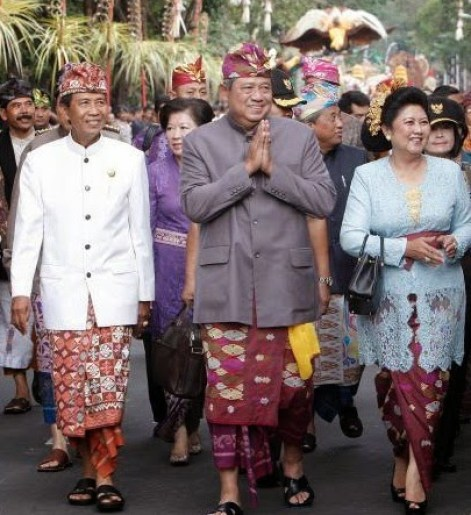 Pakaian Adat Bali untuk Pria