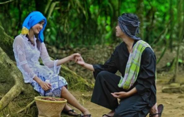 Pakaian Adat Sunda Laki-Laki Dan Perempuan Untuk Rakyat Jelata