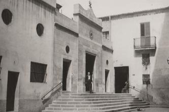 1933, façana del temple