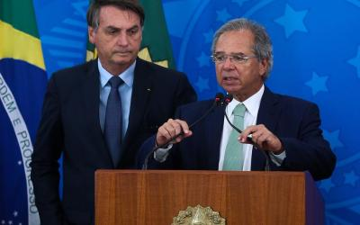 Bolsonaro sanciona socorro a Estados e barra reajustes de servidores até 2021