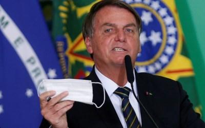 Bolsonaro volta a defender desobrigação de máscara, mas deixa decisão para governadores